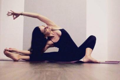 HIP & HOP In A Vinyasa Flow! – Eleni Valkanou